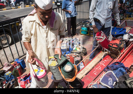 Dabbawalla. Tiffin lunch box system of food deliveries in MumbaiBombayMaharashtra & Bombay Stock Photos u0026 Bombay Stock Images - Page 89 - Alamy Aboutintivar.Com