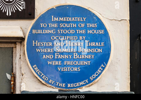 frances burney vs samuel johnson In 1760 the family moved to london, and dr burney, a fashionable music  she  first met samuel johnson at her father's home in march 1777.