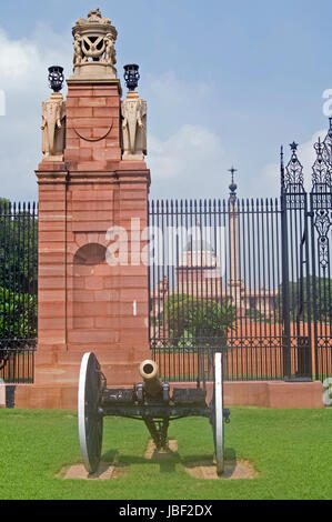 Entrance to Rashtrapati Bhavan, official residence of the President of India, in New Delhi, India. - Stock Image